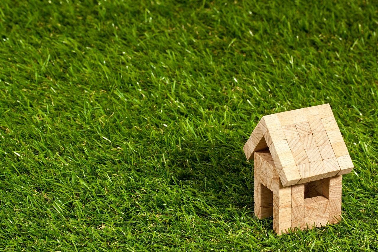 Cum alegem terenul pe care vrem să construim o locuinţă. 7 factori esenţiali