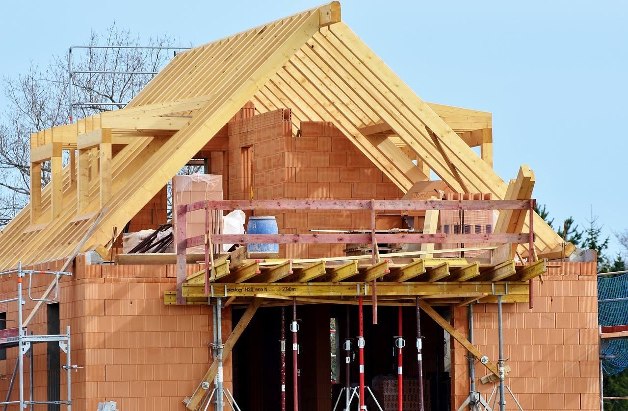 Tot ce trebuie să ştii despre construcţia unei case
